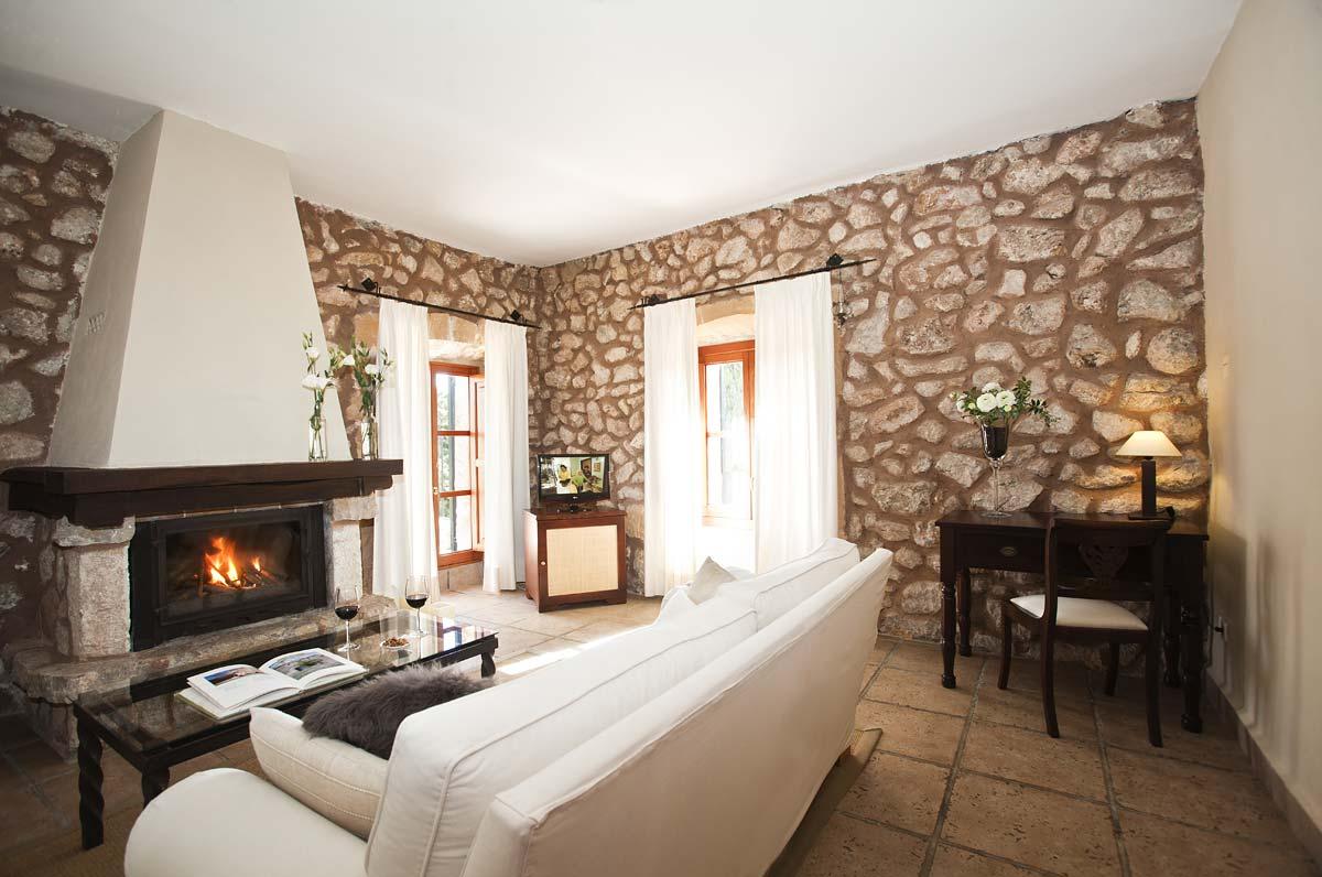 finca hotel mallorca kleine landhotel mit charme in art son cardaix. Black Bedroom Furniture Sets. Home Design Ideas